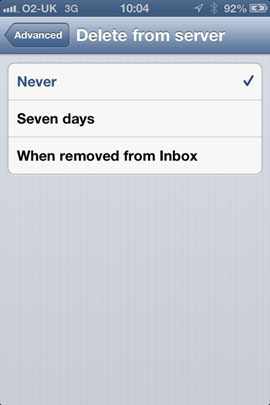 Set iPhone Mail Delete email from POP3 Servers.